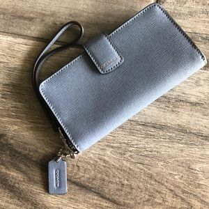 Coach smartphone wallet